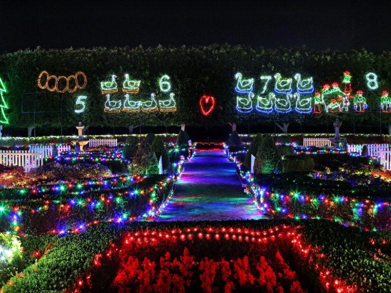 Christmas-Lights-Spectacular-2
