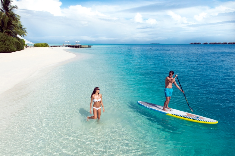 Conrad_Maldives_watersports_stand_up_paddle_boarding_HR