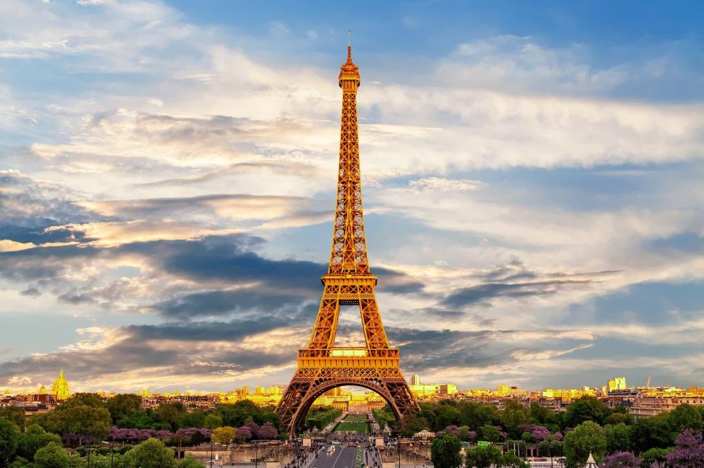 Yuktravel-Menara-Eiffel