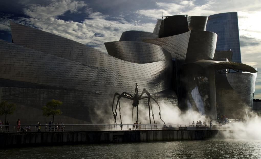 Yuktravel-Guggenheim-Bilbao-Museo